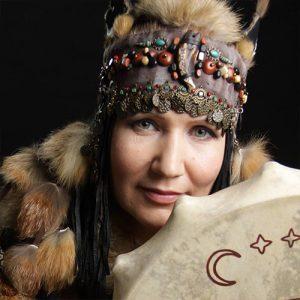 Aayla Shaman ist sibirische Schamanin und Sprecherin bei Hara meets Womb Power