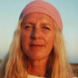Sonia Emilia Rainbow ist Schamanin, Autorin, Speaker, Sängerin